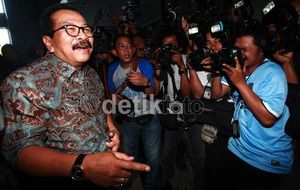 Pihak Akil Sebut Khofifah Menang Pilgub Jatim, Soekarwo: Putusan MK Final
