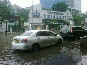Kisah Dr Yenti Garnasih, Gagal Uji Skripsi Karena Banjir Tinggi di Depan Trisakti