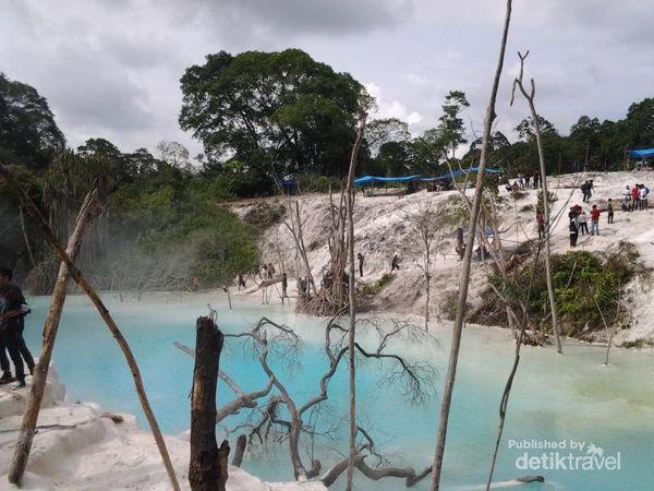 Bukit Kapur danau belerang