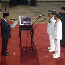 Soekarwo-Gus Ipul Resmi Pimpin Jawa Timur Periode 2014-2019