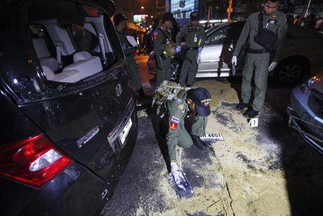 Ledakan Bom Di Pusat perbelanjaan Kota Bangkok, Thailand