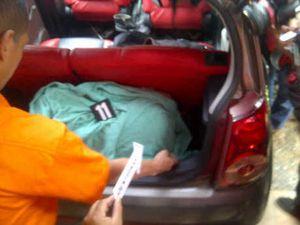 Usai Bunuh Feby Lorita, Ido Menangis Sambil Melihat Foto Ayahnya