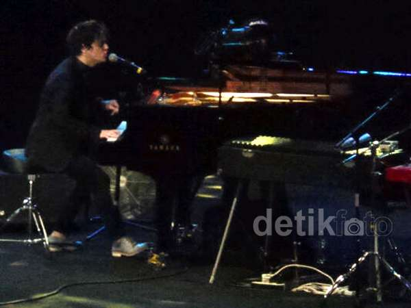 Aksi Jamie Cullum di Java Jazz Festival 2014