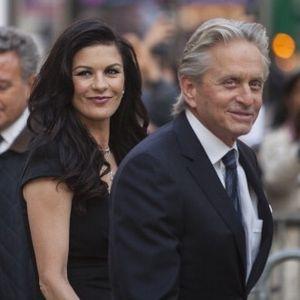 Hubungan Catherine Zeta-Jones dan Michael Douglas Membaik Setelah Liburan