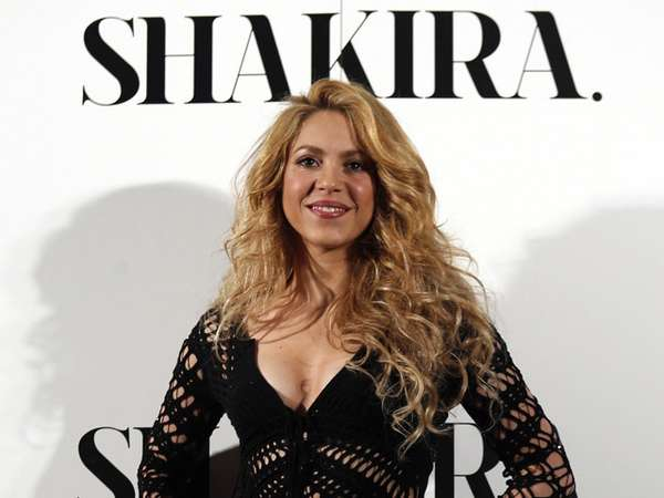 Shakira si Hot Mama