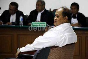 Majelis Hakim Bantarkan Penahanan Emir Moeis