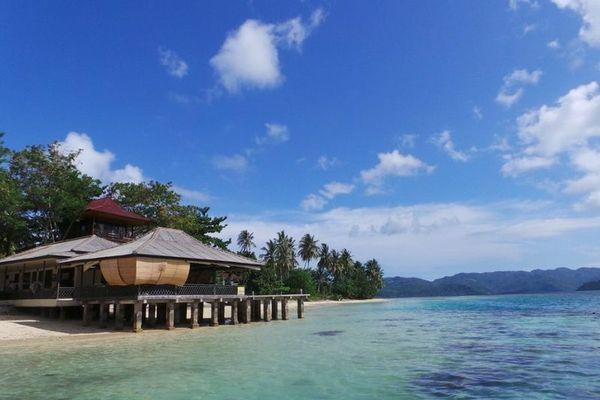 Tak Cuma Papua Lampung Juga Punya Laut Sebening Kaca