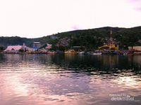 Menikmati Indahnya Jayapura dari Pelabuhan