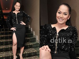 Jenny Cortez Seksi Pamer Paha