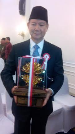 Wapres Boediono Beri Penghargaan Kalpataru Pada Perusahaan Adik Prabowo