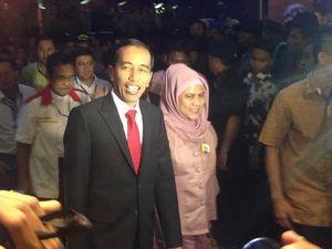 Datang ke Gran Melia Bareng JK, Jokowi Didampingi Istri dan 3 Anaknya
