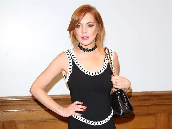 Dress Mini Hitam Lindsay Lohan