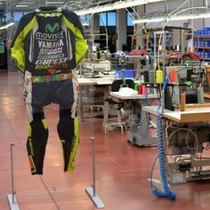 Baju Balap Rossi untuk Mengenang Simoncelli Laku Rp 390 Juta
