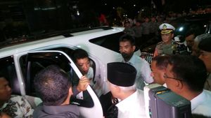 Ditemani Istri dan Anak, Hatta Rajasa tiba di Bidakara untuk Debat