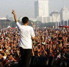 Di Depan Buruh, Jokowi Pamer Pernah Naikkan UMP Hingga 44 Persen