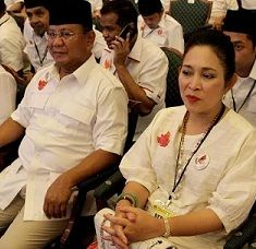 Jarang Bicara dengan Prabowo Saat Tonton Debat, Titiek: Ngobrol di Rumah Saja
