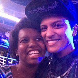 So Sweet! Bruno Mars Persembahkan Lagu untuk Fans Korban Kecelakaan