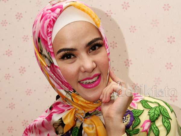 Hijab Bunga Angel Lelga