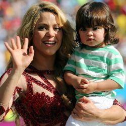 Tampil Seksi di Penutupan Piala Dunia, Shakira Ajak Anak Naik Panggung