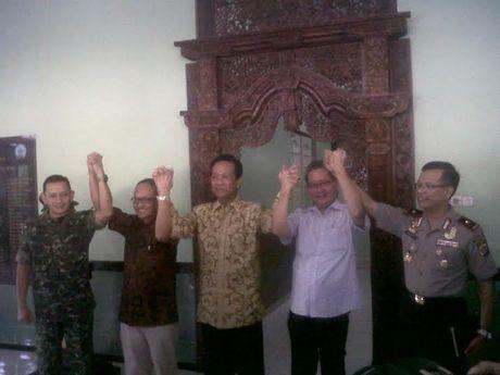Sultan HB Kumpulkan Timses Capres Tingkat DIY dan Minta Warga Tenang