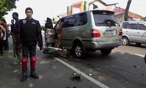Mobil vs Motor di Jalur Pantura Tuban, 1 Orang Tewas