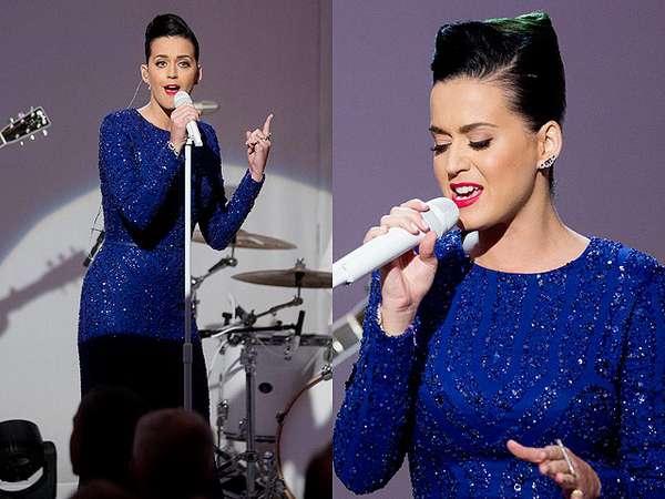 Anggunnya Katy Perry Bergaun Biru