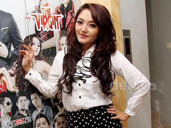 Siti Badriah Belum Ingin Menikah