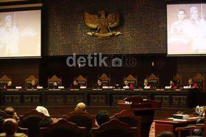 Dituding Sebarkan Isu Papua Merdeka, Saksi Jokowi Marah di MK
