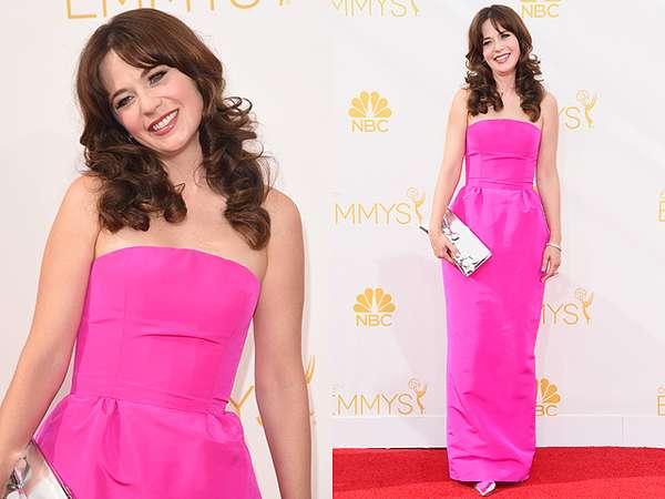 Pretty in Pink! Zooey Deschanel Curi Perhatian di Emmy 2014