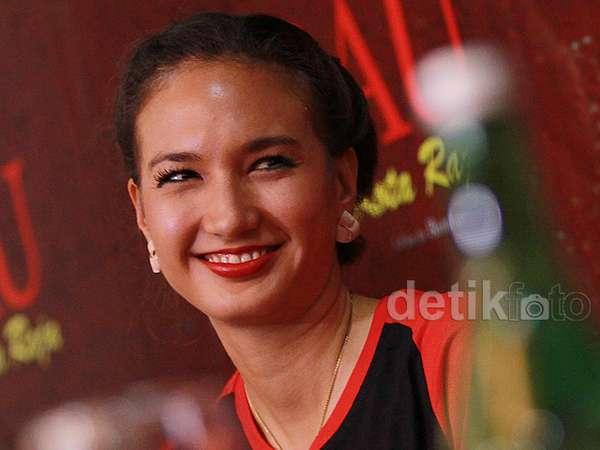 Nadine Chandrawinata di Jumpa Pers Film Erau Kota Raja