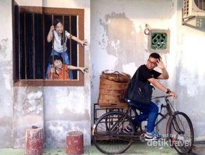 Lukisan Street Art di Penang, Seperti Hidup!