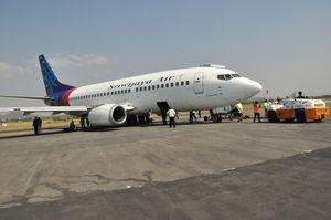 Ini Penampakan Sriwijaya Air yang Pecah Ban di Bandara Makassar