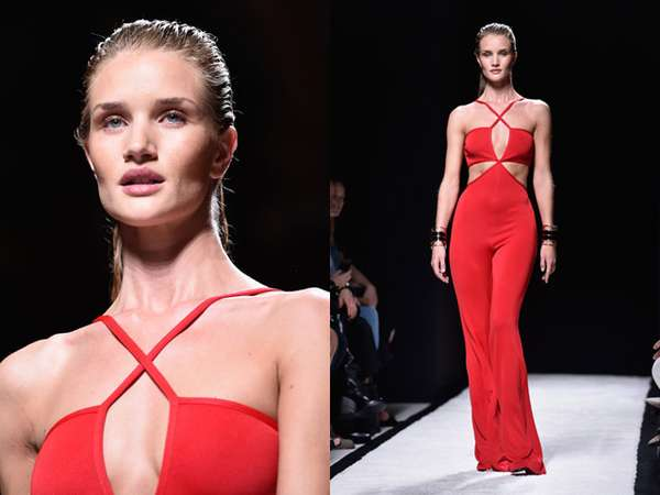 Rosie Huntington-Whiteley Merah Membara di Paris Fashion Week