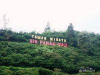 Asyiknya Berendam Air Panas di Guci, Jawa Tengah