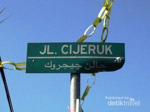 Bahasanya Sunda, Tapi Tulisannya Arab