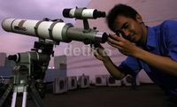 Ingin Lihat Gerhana Bulan, Warga Padati Planetarium