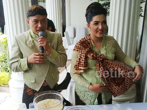 Foto-foto Ashanty dan Anang Gelar Syukuran 7 Bulanan