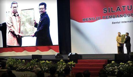 SBY Dapat Penghargaan dari Gubernur se-Indonesia