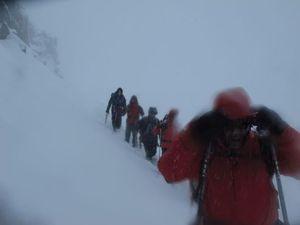 Begini Penampakan Kala Badai Salju Himalaya Terjang Pendaki WNI