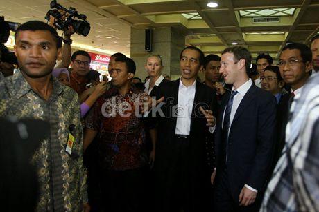Cerita di Balik Pengawalan Paspampres Untuk Jokowi Saat Blusukan