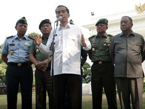 Jokowi Jumpa Pers Perdana di Istana Merdeka