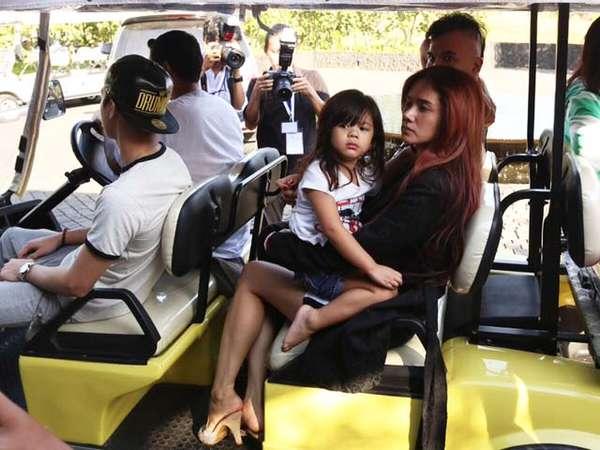 Keluarga Ahmad Dhani di Pesta Pernikahan Raffi di Bali