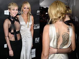 Ibunda Miley Cyrus Seksi Pamer Tato di Punggung