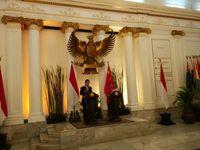 Temui Menlu Retno, Menlu China Undang Jokowi ke Acara APEC