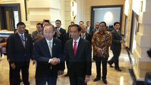 Jokowi Bertemu Sekjen PBB Ban Ki-moon di Myanmar