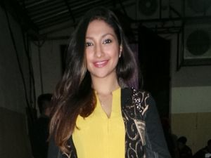 Ditunggu Penggemar, Rahma Azhari Comeback