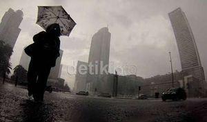 Hujan Diprediksi Guyur Jakarta Siang Sampai Malam Hari