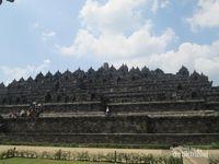 Tak Pernah Bosan Mendatangi Borobudur
