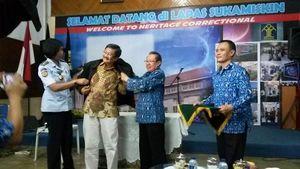 Senyum Nazaruddin dan Luthfi Hasan Melihat Rudi Rubiandini Jadi Mahasiswa Hukum