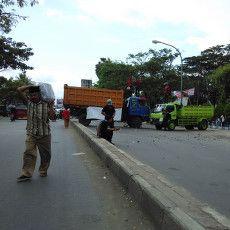 Mahasiswa Unmuh Makassar Ganggu Ketertiban, Demo Soal BBM